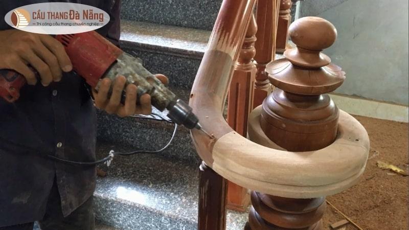 Thi công tay vịn cầu thang gỗ tại Đà Nẵng