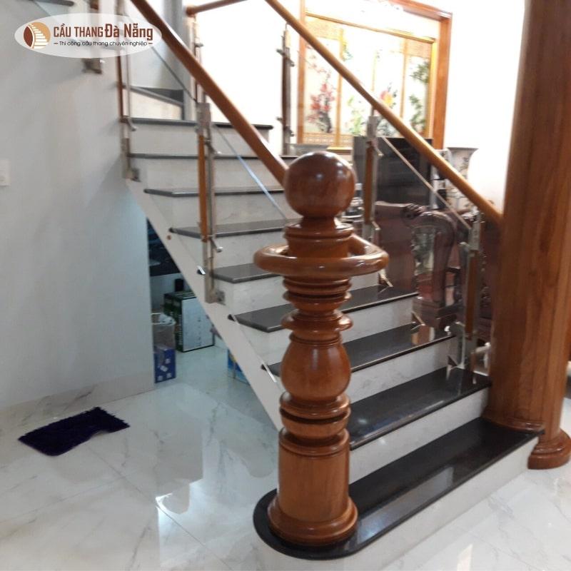 Mẫu trụ cầu thang tròn tại Đà Nẵng