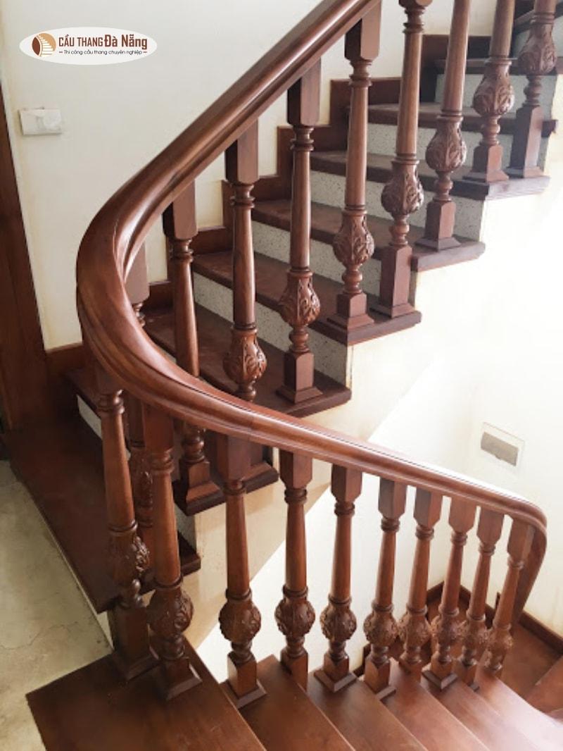 Gợi ý làm cầu thang nhà 3 tầng