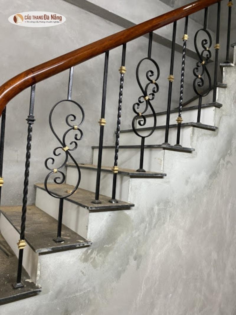 cầu thang sắt đà nẵng